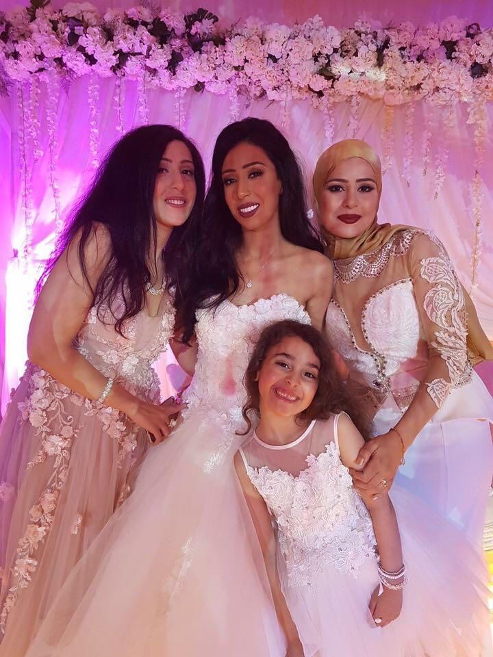 La mariée et ses soeurs